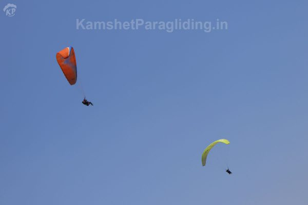 paragliding acro stunts dual